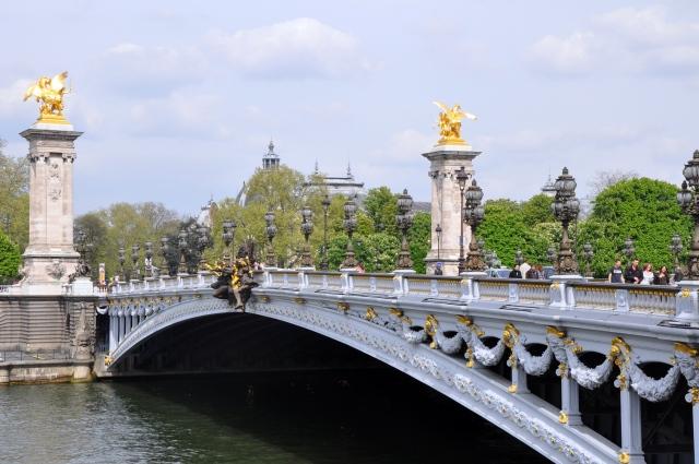 2011_Pont_Alexandre_III_Paris