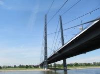 bridgeacrossrhinedusseldorf